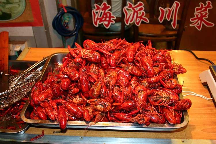 beijing-food-tour-spicy-crayfish