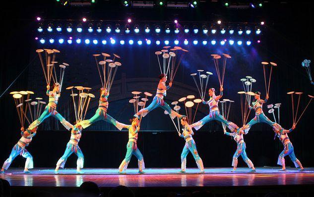 beijing-acrobatics-show